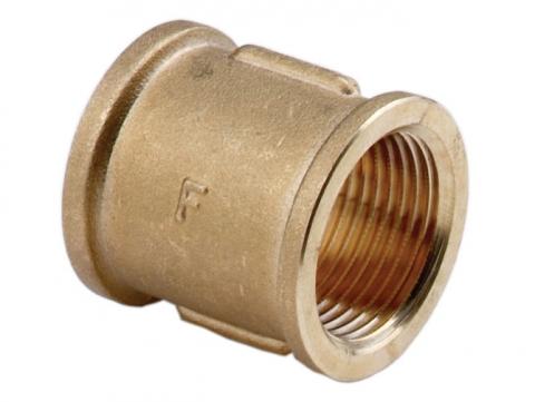 Муфта латунная PN10 для соединения двух веток трубопровода с внутренней резьбой.